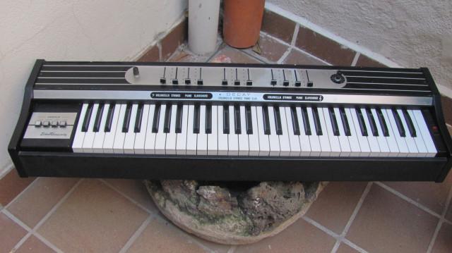 Elka Rhapsody 610 strings + piano + clavi