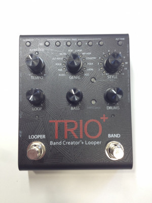 DIGITECH TRIO BAND PLUS +LOOPS INCLUYE PEDAL  FS3X FOOTSWITCH