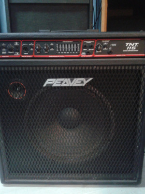 PEAVEY TNT115