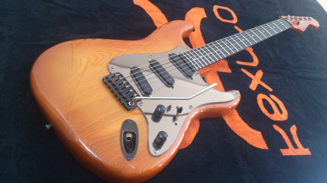 Blade Levinson R4 Classic Honey 1993 Impecable