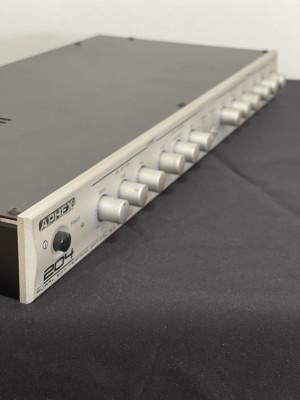 APHEX 204  Excitador de audio.