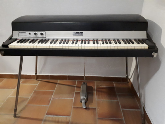 Piano Rhodes Mark I Stage 73