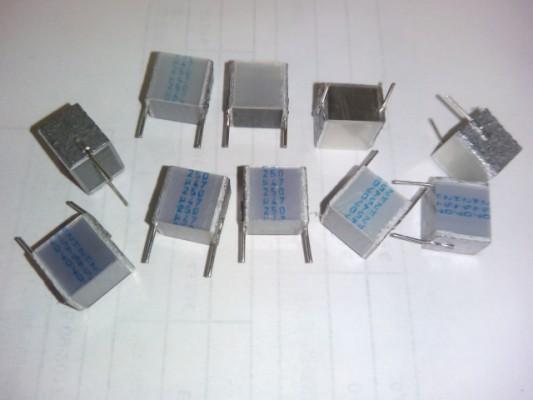 Condensador de capa 0.47μF, 250v. Layer capacitor X5 piezas