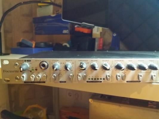 Previo micrófono Focusrite Tone Factory