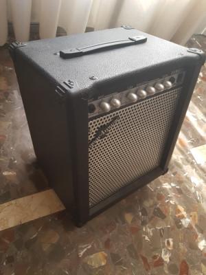 Amplificador Belcat Gear4Music 35w con Reverb
