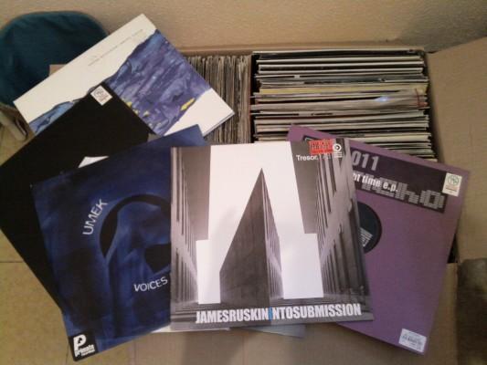 Lote de 180 vinilos de techno y tech-house