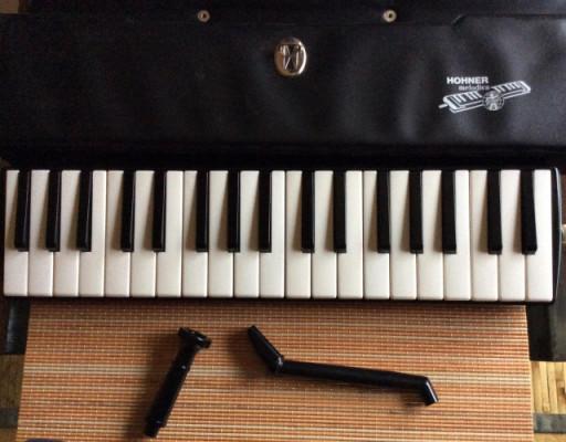 Hohner melodica piano 36