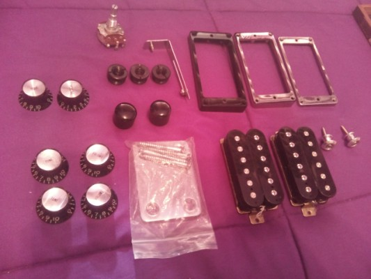 mercadillo variado (knobs, clavijero, marcos, cordal, pastillas...)