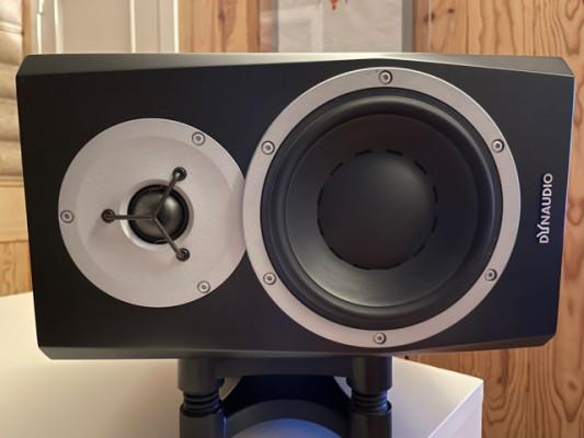 Dynaudio BM5 MKIII Stand Bundle volumen y soportes