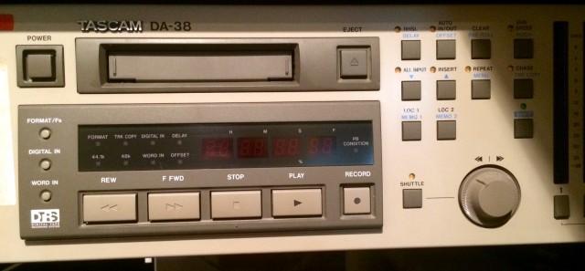 Grabador multipistas digital TASCAM DA38 y DA88