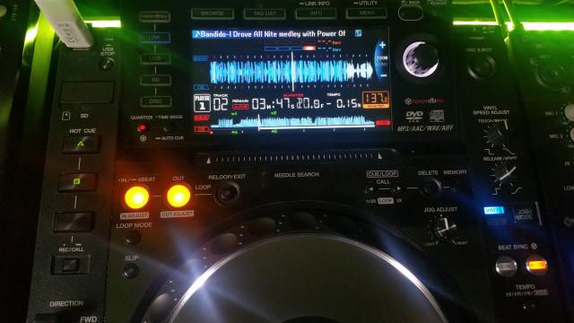 2 CDJ 2000 NEXUS MESA DJM 900 NEXUS