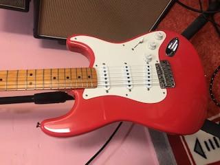 Fender Stratocaster American Vintage 57 Fiesta Red (subo vídeo)
