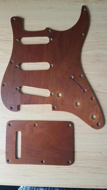 Golpeador Stratocaster madera