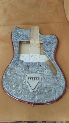 Lote guitarra y mastiles (ACLRACION)