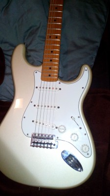 Fender Strat 60 Aniversary por Superstrato Puente Fijo