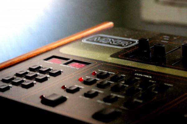 caja de ritmos vintage mxr 185