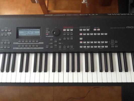 Sintetizador piano Yamaha moxf 8