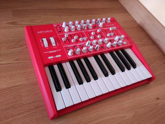 Arturia Minibrute Red Edition