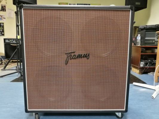 "Framus Dragon 4x12"" con Celestion V30"