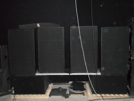 Vendo equipo completo de 5000W RMS cajas mod  JBL 4770