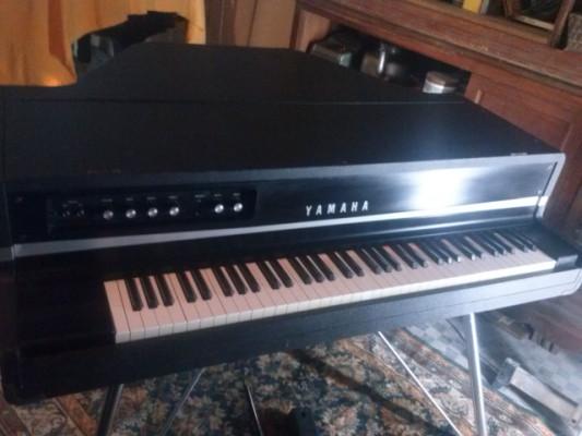 YAMAHA CP70 PIANO