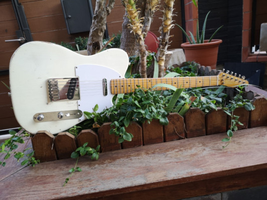 Telecaster/Aged Olympic White relic/Guitars&Garage.