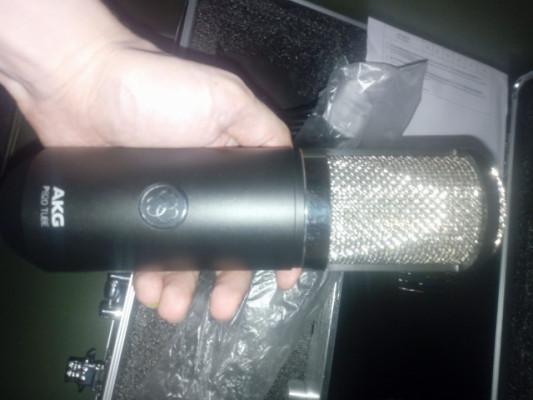 AKG P820 con 3 meses, esta super nuevo