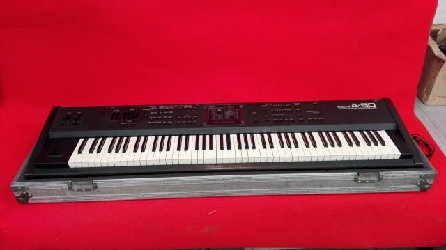 Cambio/vendo Piano roland A90 con case