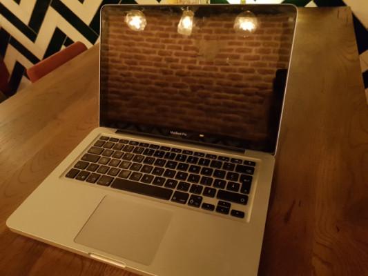 MacBook Pro 13' i5 16 gb de RAM