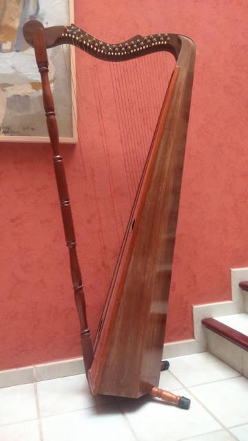 Arpa venezolana artesanal