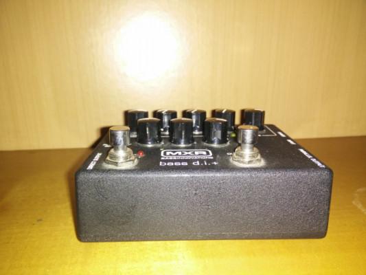 Vendo MXR M80 Bass DI Plus y Zoom B3 con bolsa RockBag