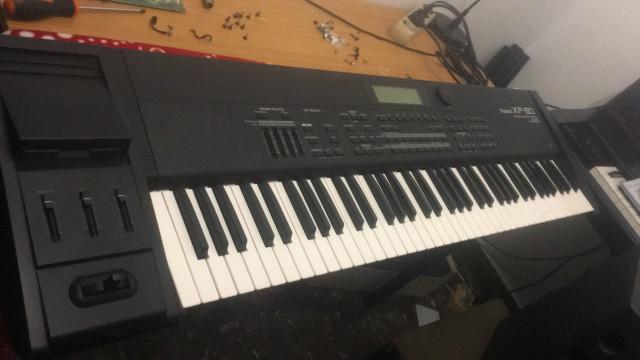 Sintetizador roland xp80