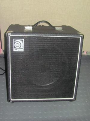 Ampeg BA-112 ampli de bajo