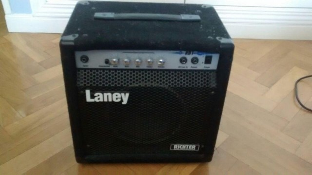 Amplificador de bajo Laney RB1