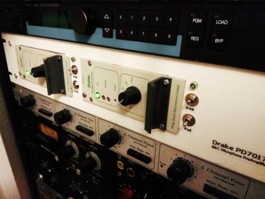2x previos de micro Drake PD7017 en rack 2U