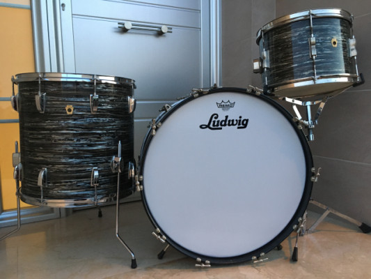 Ludwig Club Date/Super Classic 1965/1966 Black Oyster Pearl