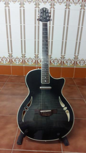 Guitarra semiacústica Crafter