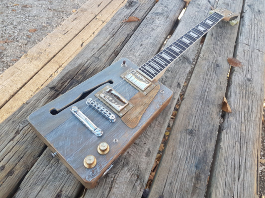 Cigar Box guitar Loluthier mod. Missouri Custom