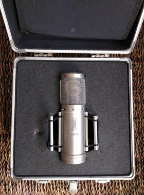 Microfonia: Brauner phantom V, AKG 414, Edirol CS-50, Sony ecm 54p