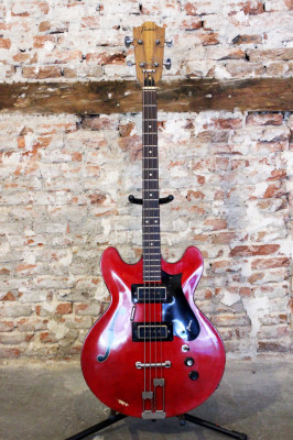 Framus J144 Sorento 4 Thinline Bass (años 70s)