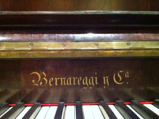 Piano de pared Bernareggi Gaso y Cia