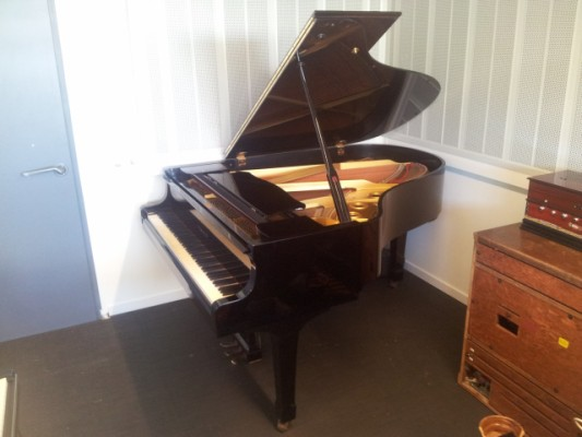 Piano Yamaha C3 Conservatory