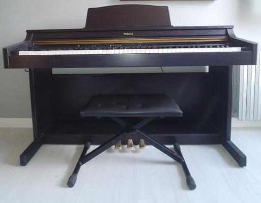 Piano Digital Roland HP103e