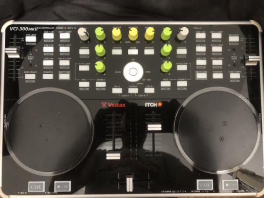 Controlador Vestax VCI-300MK2 con Serato DJ Pro