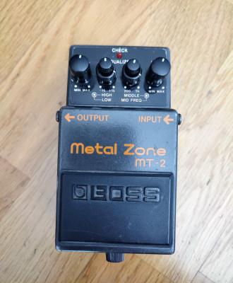 Boss Metal Zone Mt-2