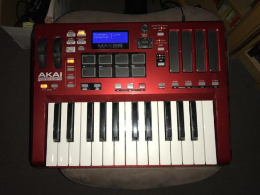AKAI max25 (controlador midi-cv/gate-usb)