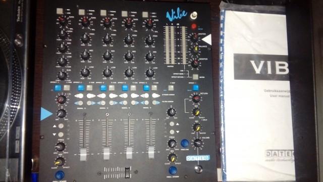 DATEQ Vibe mesa de mezclas + trigger finger pro usado horas