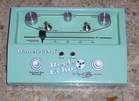 Vendo pedal DANELECTRO REEL ECHO