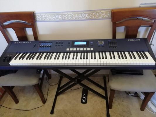 Piano Eléctrico Kurzweil PC3 LE8