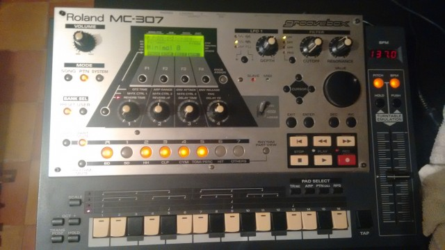 Vendo Roland Mc 307 Groovebox